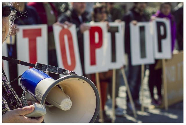 Bras de fer entre les pros et les opposants au TTIP et au CETA