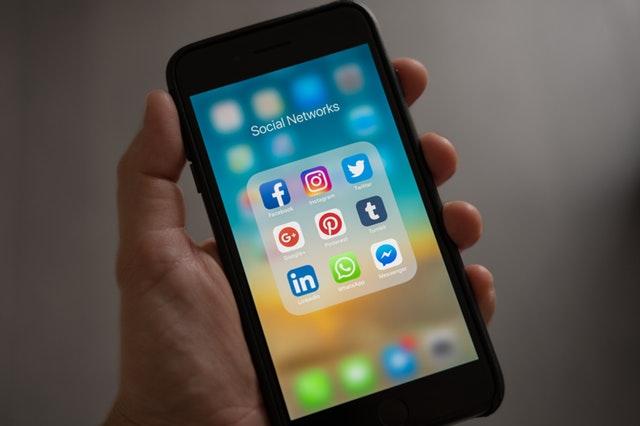Maïlis, influenceuse sur les réseaux sociaux